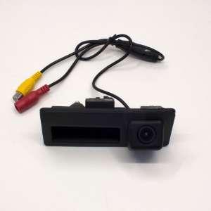 Штатная камера заднего вида в ручку VW Passat B8, Touran, Tiguan, Golf Plus CCD LeTrun 2201